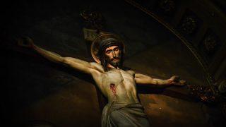 Por que Jesus Cristo foi condenado à crucificação?